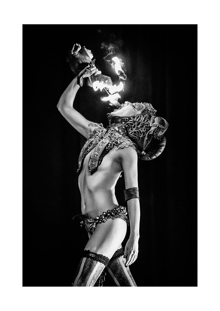 001 Fire eater, Zora Vipera Live, a3 print on Canon Premium Fine Art Smooth paper (Hahnemuhle 100% Cotton Rag 310g), printed on Canon Pixma Pro-1